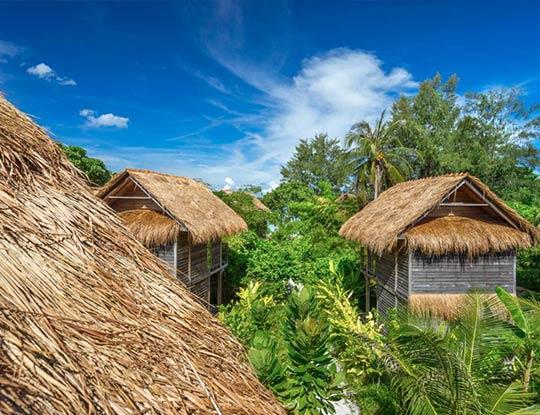 Big breezy garden bungalow
