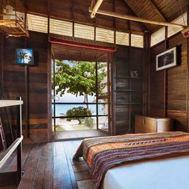 Koh lipe resort bungalows:Castaway Beach Resort sea view Bungalow with great views of sunrise beach