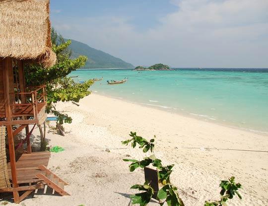 koh-lipe-resort-castaway-beach-front-breezy-bungalow-seaview