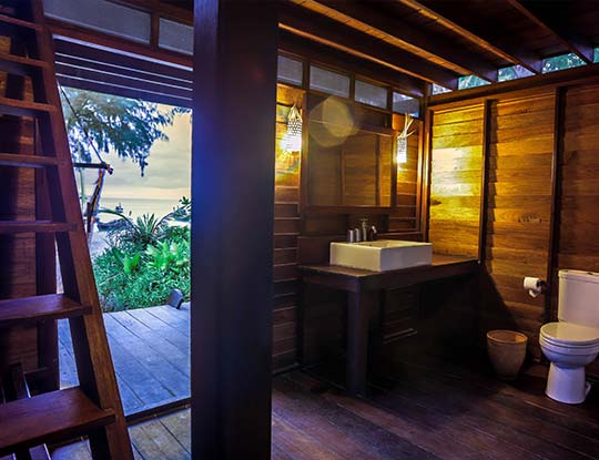 koh-lipe-resort-castaway-big-breezy-bungalows-bathroom-view