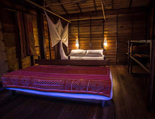 koh-lipe-resort-castaway-big-breezy-bungalows-bedroom