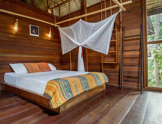 koh-lipe-resort-castaway-comfy-bungalow-bedroom