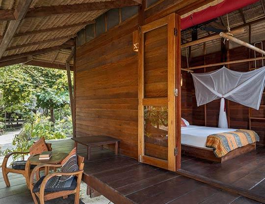 koh-lipe-resort-castaway-comfy-bungalow-garden-view