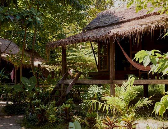 koh-lipe-resort-castaway-garden-comfy-bungalow