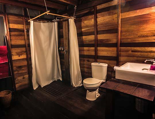koh-lipe-resort-castaway-house-bathroom