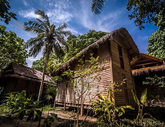 koh-lipe-resort-castaway-house-garden-view