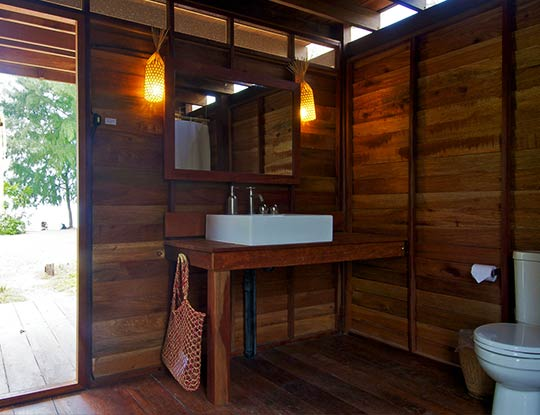 Breezy bungalow bathroom